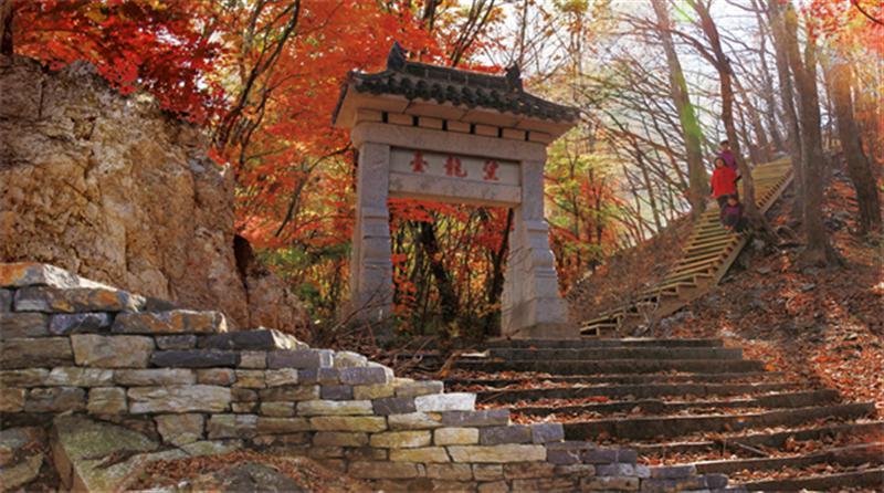 吉林柳河旅游节:访古赏红叶休闲游,金秋美景柳河行