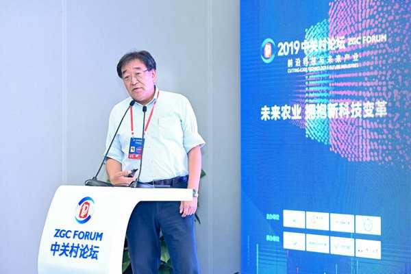 日本有機農業普及協會理事長 小祝政明發表演講.jpg