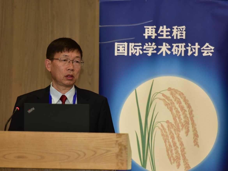 记华中w88优德老虎机手机版大学植物科学与技术学院教授彭少兵