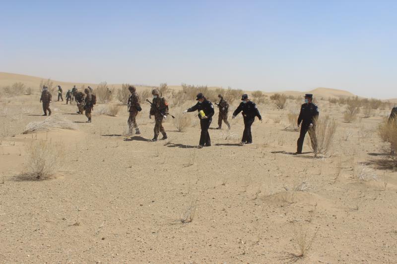 内蒙古巴彦淖尔:民警下乡走访防鼠疫