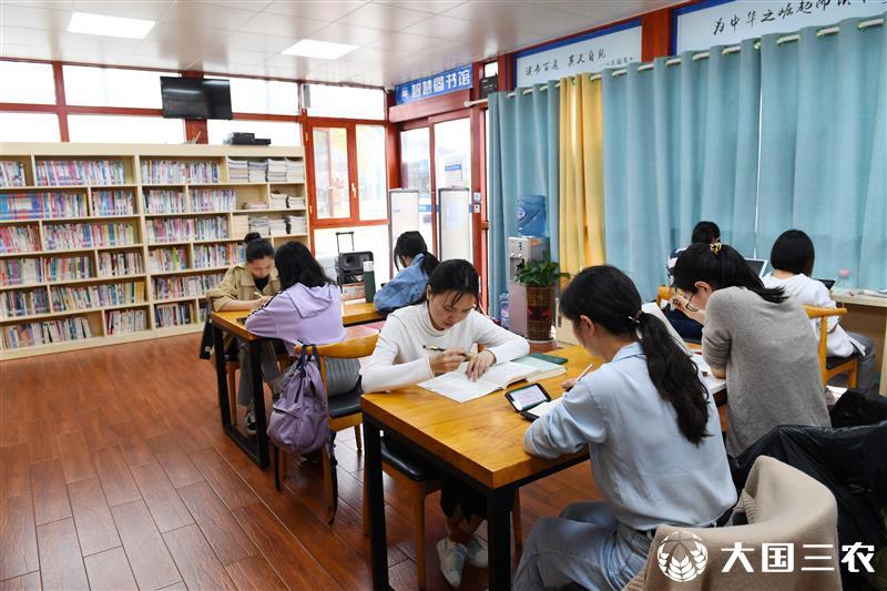 """贵州省仁怀市:""""智慧书屋""""让阅读更方便"""