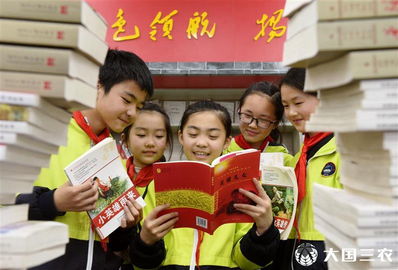 """安徽省含山县:""""读红色书籍、讲红色故事、做红色传人"""""""