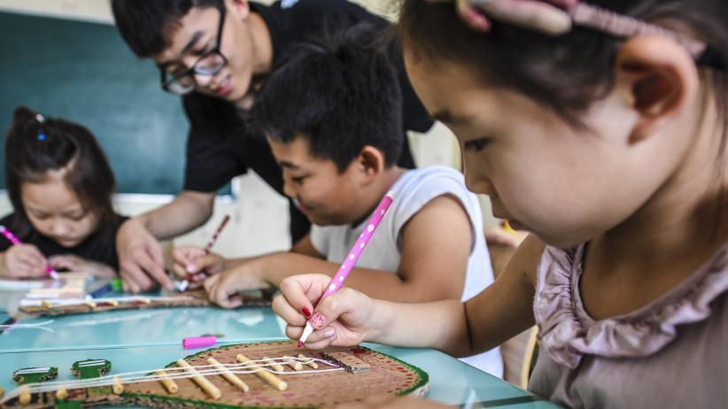 河北景縣:快樂學手工 暑假增活力