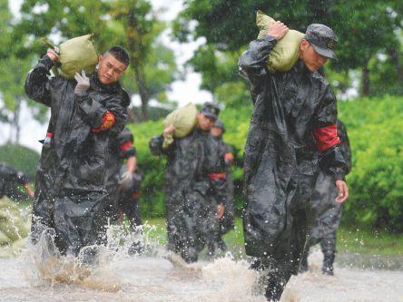 东部陆军千余名官兵筑起一道道安全防线