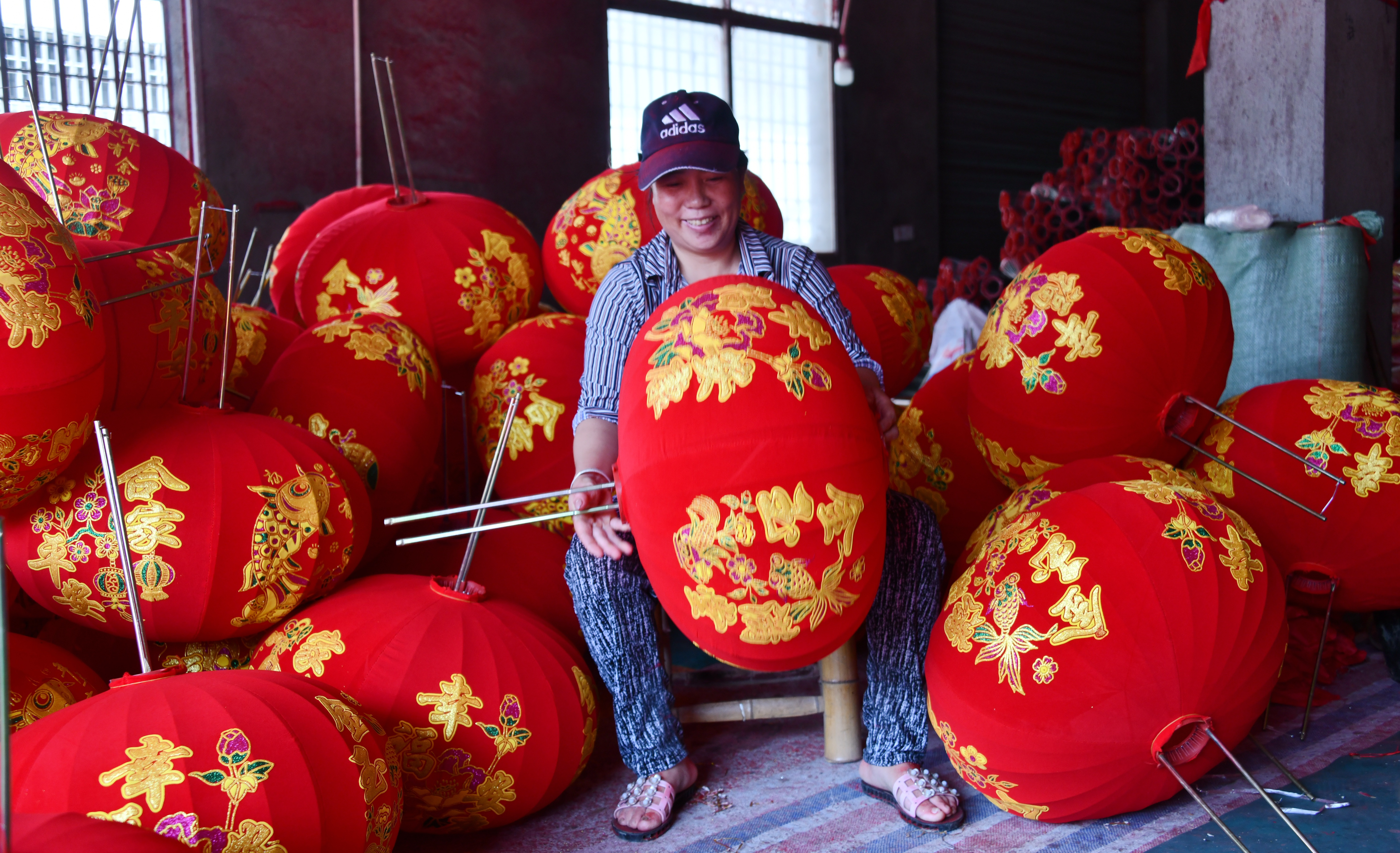 """浙江仙居:紅燈籠""""照亮""""致富路"""